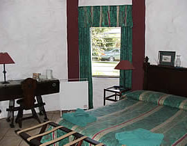 A double bedroom in the Luilekker guest house